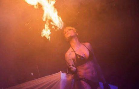 Gogo Tänzerin Feuershows Duisburg